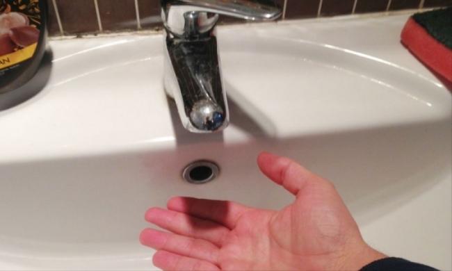 Acqua, interi condomini a secco