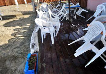 Focene, mareggiata colpisce l'Arcobaleno Beach
