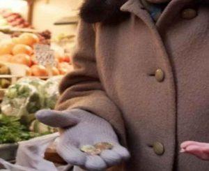 """""""Famiglie in difficoltà, Comune ammette tagli fondi"""""""