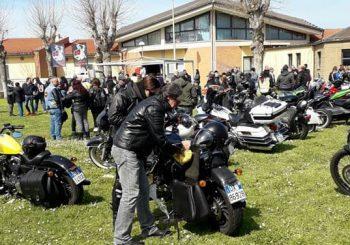 Dai bikers un dono per i piccoli del Bimbino Gesù