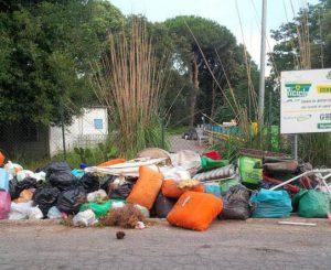 """M5s, """"riprendiamoci confini comunali invasi da rifiuti"""""""