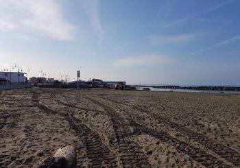 Spiagge e varchi comunali, iniziata la pulizia