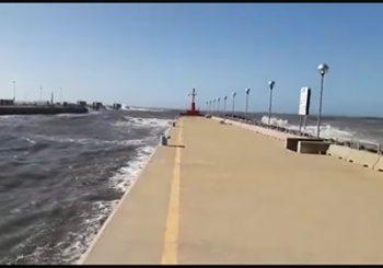 Porto Canale, mare in burrasca per tre giorni